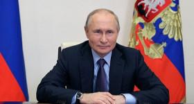 Владимир Путин поздравил россиян с главным праздником страны