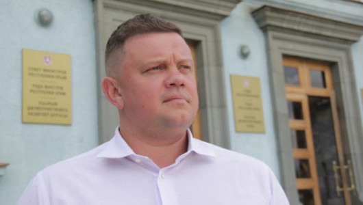 Евгений Кабанов продолжает знакомить с интересными работами крымчан