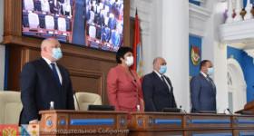 На сентябрьской сессии севастопольского парламента прощались и воссоединялись вновь