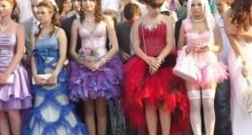 Самые шокирующие наряды на школьных выпускных