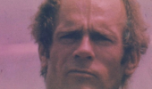 История человека, который отправил себя по почте в Австралию и выжил