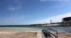 «Море превращается в место свалки строительных отходов?» Что происходит на пляже Парка Победы в Севастополе
