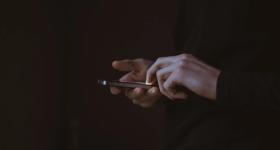 Севастополец украл дорогой смартфон у продавца магазина