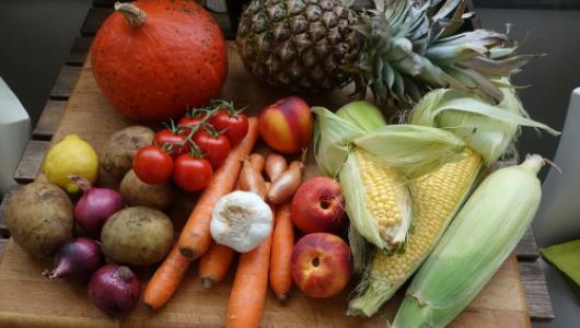 «Центральный Рынок» или «Чайка»: где выгоднее купить фрукты и овощи в Севастополе?